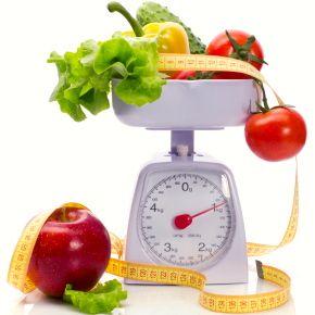 calcular tu tasa metabólica basal (TMB) y tu tasa metabólica activa (TMBA) no es difícil, y puedes hacerlo por tu cuenta para determinar la cantidad de calorías que debes consumir al día. Así te será más fácil delinear una dieta, un plan de lo que debes comer: ya sea que quieras mantener tu peso, subir o bajar. Recuerda que el consumir alimentos sanos que te ayuden a lograr y a mantener un peso saludable es una de las cosas más importantes para tu bienestar físico y para tu salud.