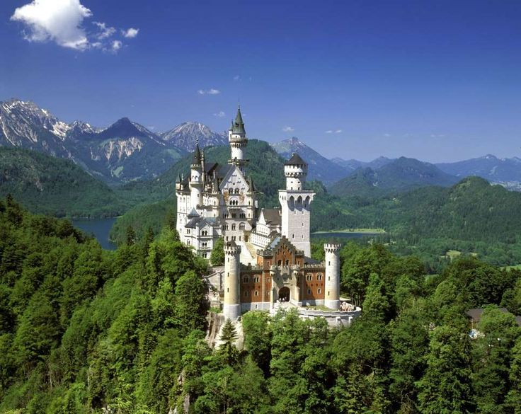 Neuschwanstein Castle (Schwangau, Germany) - Image Broker/Rex Features