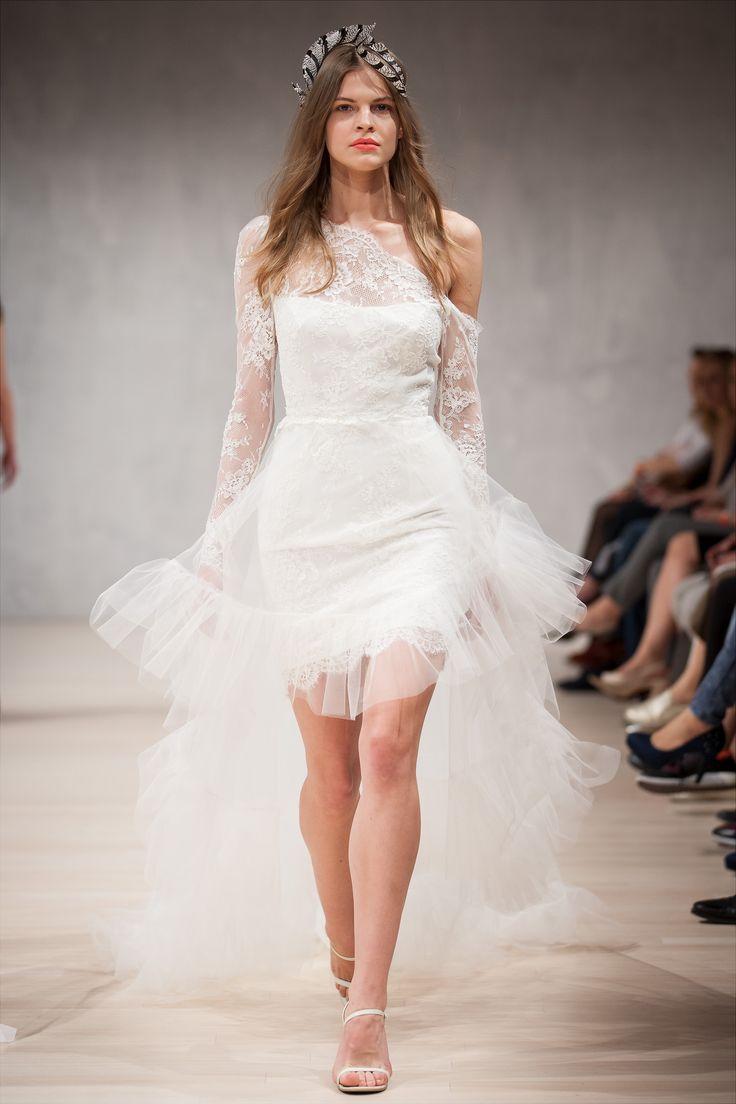 The Dallas / Nora Sarman / headpiece Vecsei Millinery / Mercedes-Benz Fashion Week Budapest