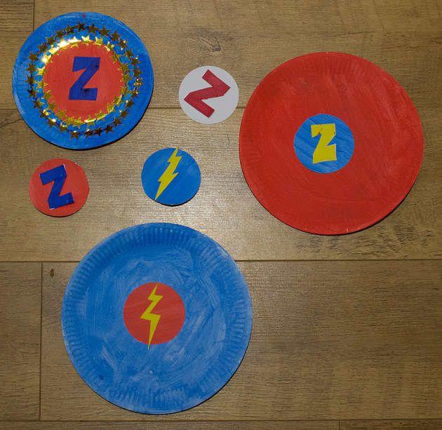 superhero shields using paper plates