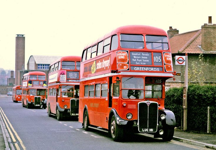 https://flic.kr/p/dQgrPd | London Transport: A Lineup at Greenford | In front is RT4022 (LUC181) from Southall Garage on Route 105 then RT3583 (MLL895) on Route 92; I can't make out the registration of the third RT on Route 273, and the Swift on the E1 at the back will forever be unknown. The Red Lion in Greenford closed last August, although it still appears in bus timetables.