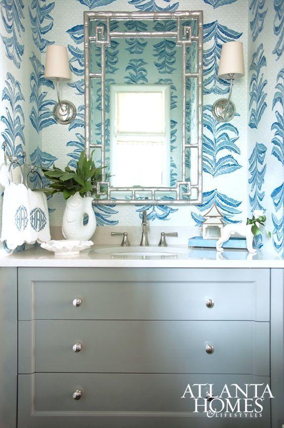 Blue Bathroom With White Mirror: Best 25+ Blue White Bathrooms Ideas On Pinterest