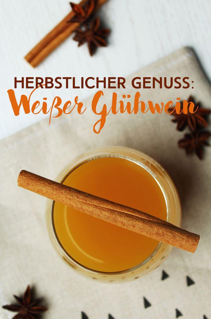 Kalte Finger, Gänsehaut? Dann Wärme dich mit einem leckeren weißen Glühwein wieder auf! Das Rezept findest du auf meinem Blog lettersandbeads.de #foodporn #food #instadaily #foodblogger #foodblog #instablogger #cocktail #germanblogger #lecker #foodie #yummy #blogger_de #instafood #fall #instablog #bloggers #foodgasm #delicious #foodpics #drink #liquor #autumn #leaves #nature #beauty #cold #yum #delish #white #wine #weißwein #mixology #glühwein #rezept #gewürze #herbstlich #weihnachtlich