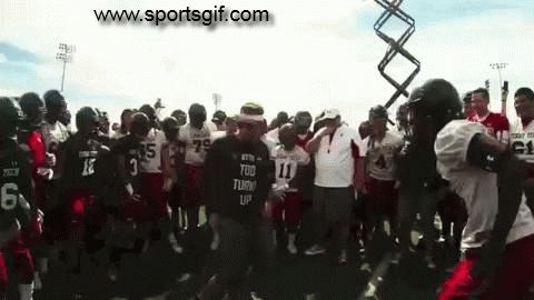 Texas Tech football coach Kliff Kingsbury has a dance off with his team