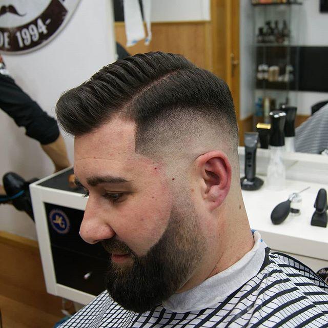 Poniendo guapo a @israojitos !! Y probando un poquito las fiestas de fibras !!!! . .  #barberlife #barber #barbershop #barbershopconnect #barberlove #haircut #barbering #barbergang #barbers #hair #fade #hairstyle #barbersinctv #menshair #barbercut #barbergame #hairstyles #barberhub #thebarberpost #beard #barberworld #barbero #barberart #nastybarbers #barberman #barberfam #barberia #prat #barcelona #pratdellobregat