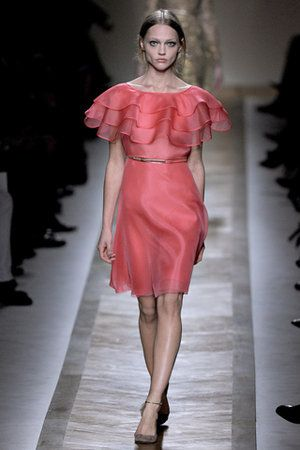 http://coolspotters.com/files/photos/513620/valentino-spring-2011-rtw-ruffle-collar-dress-profile.jpg