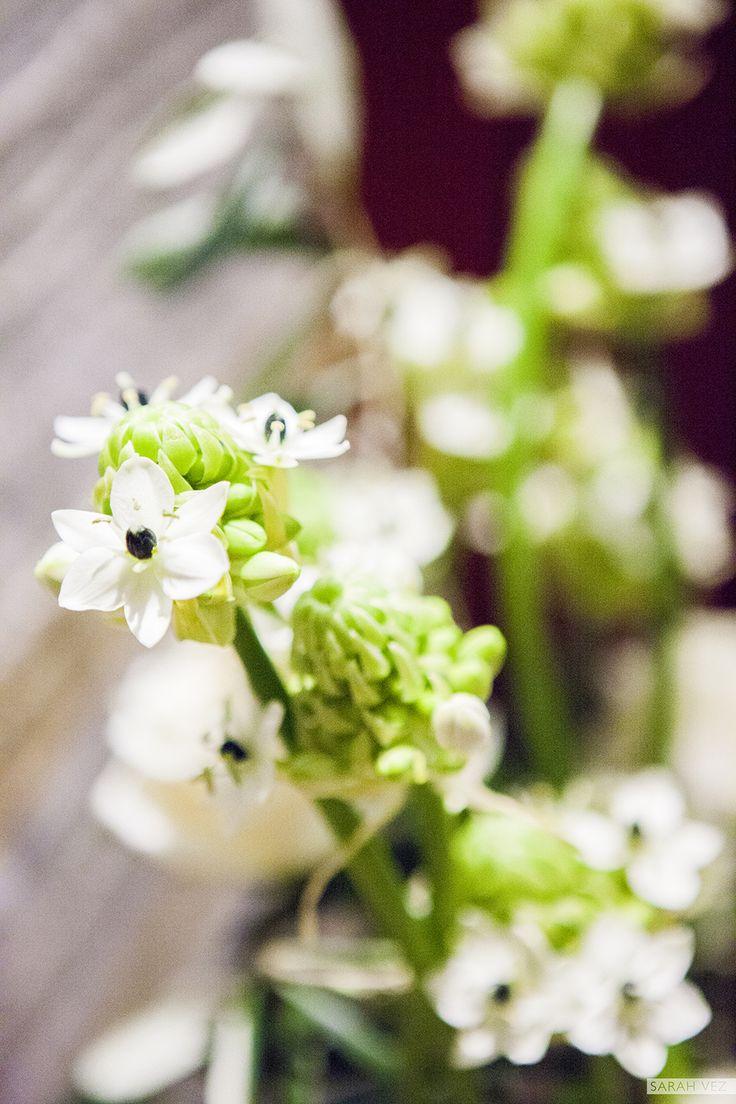 #black #ivory #flowers #wedding