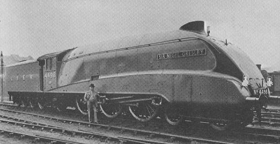 Sir Nigel Gresley infront of A4 No. 4498, 'Sir Nigel Gresley'
