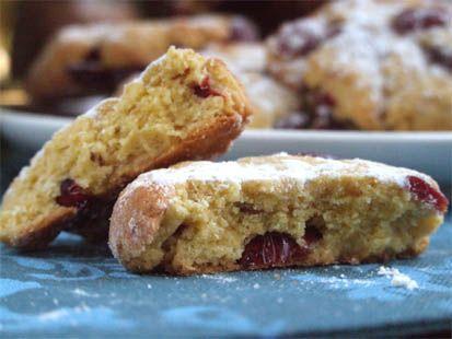 Biscuits moelleux à la farine de maïs et aux canneberges séchées - Cuisine Campagne