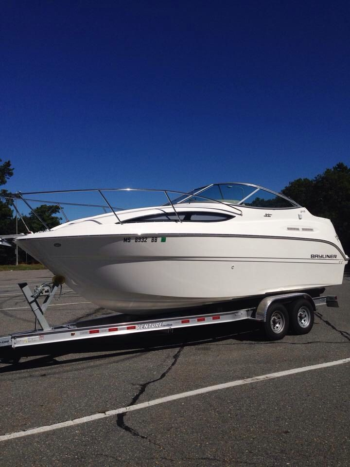 2013 Bayliner 245 Cruiser