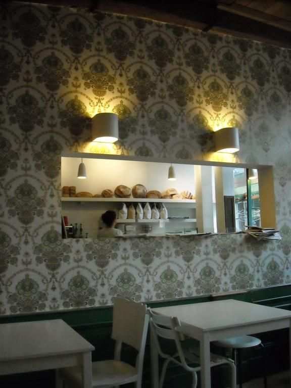 lunchbar in Ghent with vintage wallpaper