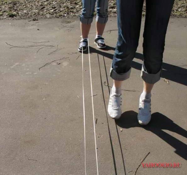 elastiek twist op het schoolplein