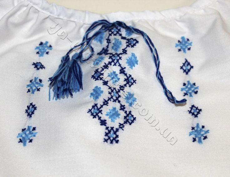 Вышиванка для девочки синяя, ручная вышивка. Киев