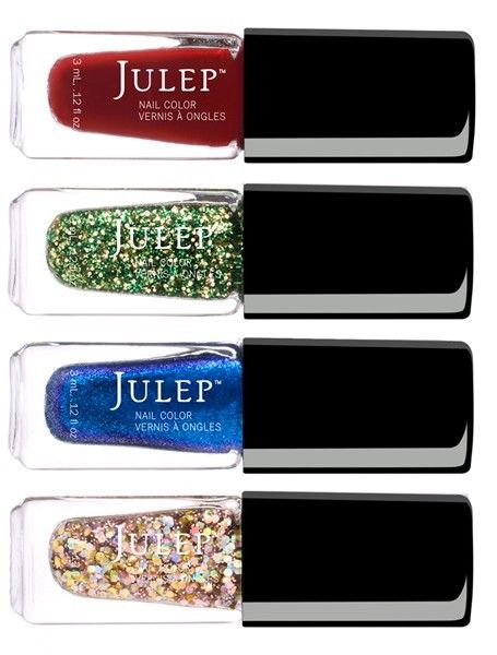 For a festive holiday mani