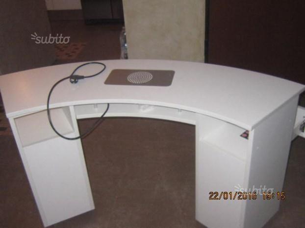 tavolo-professionale-onicotecnica-con-aspiratore
