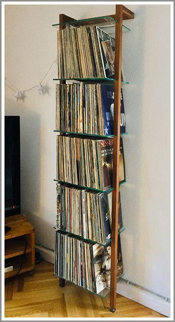 Kundenfoto Schallplattenregal Nussbaum Customer Picture