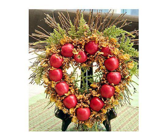 Miniature Apple Wreath Project.  #Fall #Autumn #Halloween #HalloweenDecorations #Decorations #Photography #Pic #Picture #Foto #Fotografia #NewStuff #CosasNuevas #Interesting #Interesante #FotoDelDia  ========================   Rolando De La Garza Kohrs  http://About.Me/Rogako  ========================