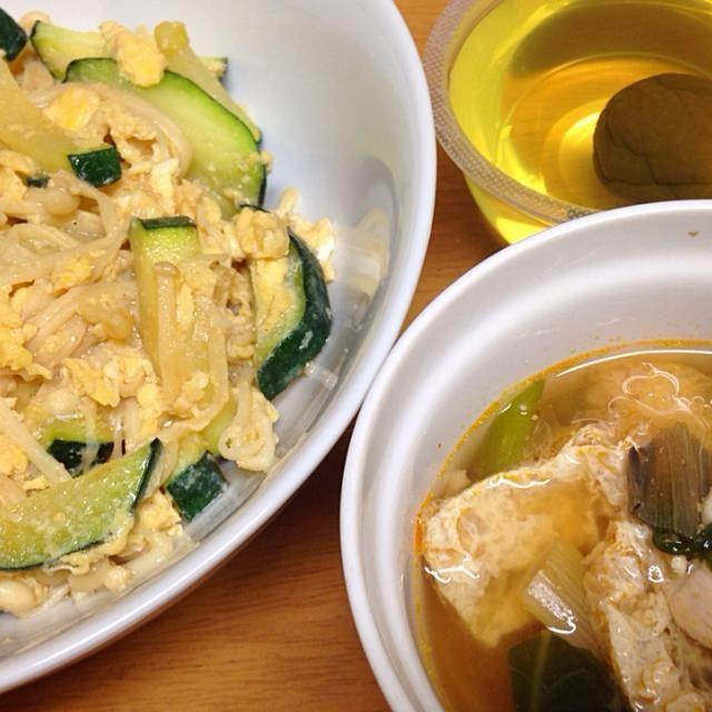 ⚫︎ズッキーニ、えのき、卵のナンプラー炒め ⚫︎豚肉、油揚げ、空芯菜、葱の甘辛スープ ⚫︎梅酒ゼリー - 10件のもぐもぐ - 2014.07.22 by amagishinjyu