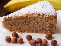 Winterlicher Marzipan-Haselnuss-Kuchen. cake. Hazelnut Marzipan winter cake: 200 g flour // 1 packet of baking powder // 1 tsp of cinnamon // 140 g of ground hazelnuts // grated peel of an organic orange // 175 g of marzipan raw material // 25 ml of amaretto // 3 small bananas (and should be ripe rather than Still green) // 175 g soft butter // 175 g fine brown sugar // 4 eggs // 150 g sour cream // 1 pinch of salt // 25 g powdered sugar + powdered sugar for dusting