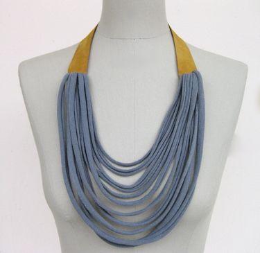 Awesome handmade shop but not in English! http://de.dawanda.com/product/21894341-textiler-halsschmuck-mit-leder-in-senf-und-grau                                                                                                                                                                                 Mehr