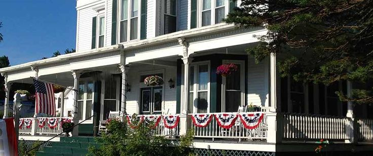 Sutton House Bed and Breakfast in Center Harbor, NH