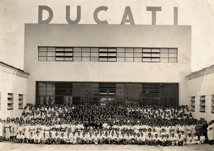 Ducati main entrance and its employees in 1939.