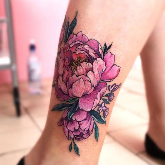 20 bold pink flower leg tattoo - Styleoholic