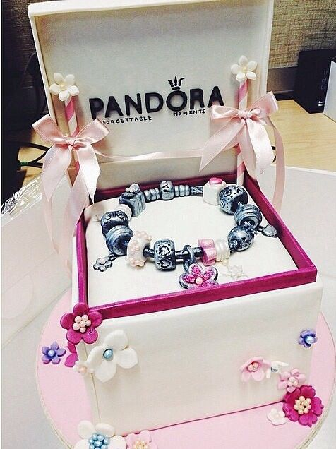 Pandora jewelry cake ❤️