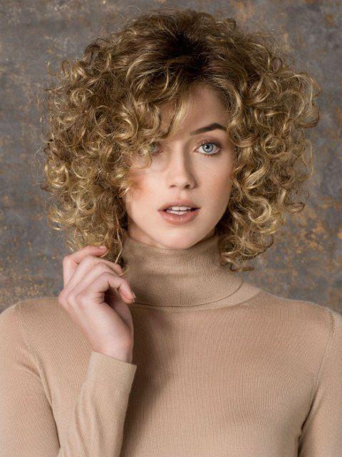 Cortes de pelo corto y rizado cabello fino