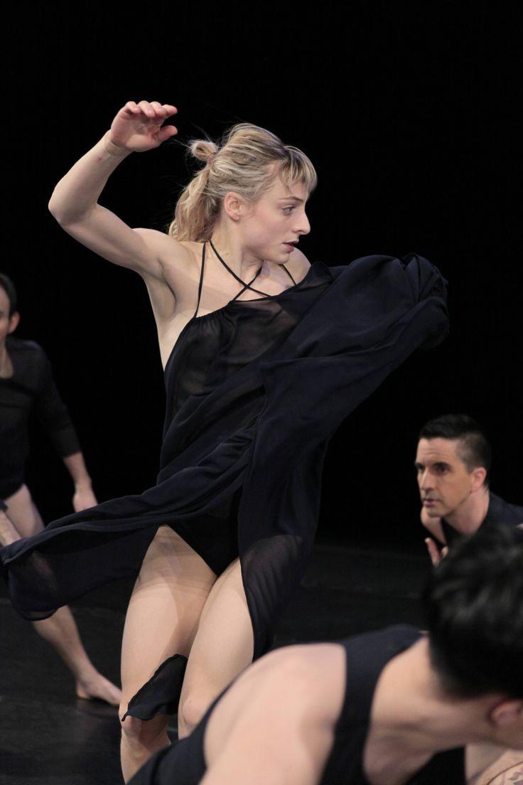 Soif (2014) Photo: Ginette Laurin. Interprète: Stéphanie Tremblay-Abubo.