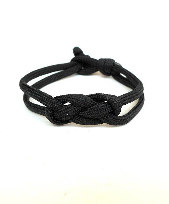 Infinity knot bracelet Black paracord Infinity bracelet