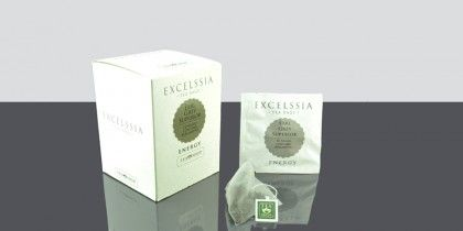 Excelssia Earl Grey Superior El más clásico de los tés aromatizados, una combinación de Té Negro con aroma de bergamota, ahora en prácticas pirámides monodosis. Se elabora siguiendo una antigua receta que un chino mandarín le ofreció al Conde (Earl) Charles Grey.