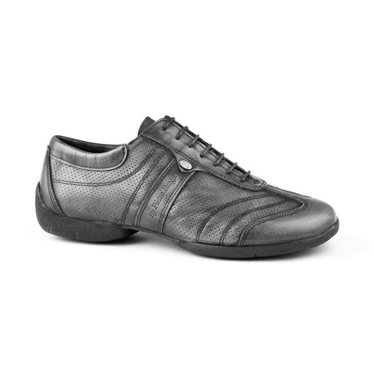 """En rå og meget """"street"""" dansesneakers fra PortDance i høj kvalitet! Modellen PD Pietro Braga Street er en fantastisk dansesko med styrke inden for lethed, komfort og fleksibilitet. En absolut must-have! Fåes hos Nordic Dance Shoes: http://www.nordicdanceshoes.dk/portdance-pd-pietro-braga-street-gr%C3%A5-laeder-dansesko#utm_source=pin"""