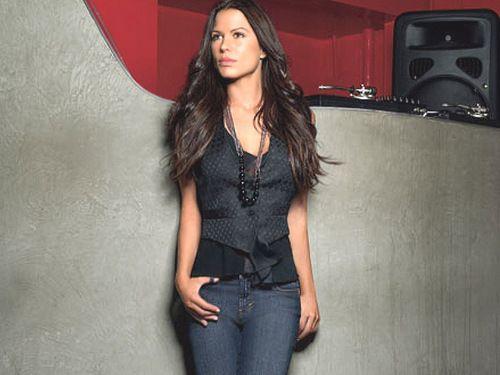 Jeanstar Rhona Mitra.