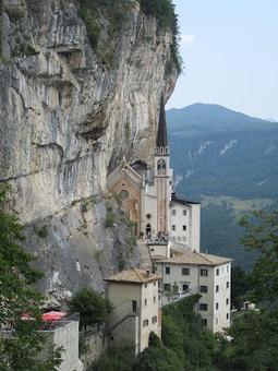 Het Gardameer in Italië: Madonna della Corona - Spiazzi