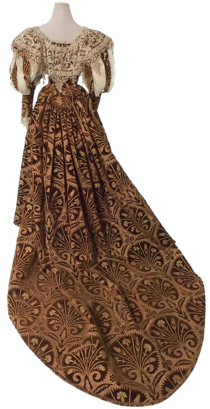Evening dress, House of Worth, c.1895. Cut velvet, satin, chiffon, and flying needle lace