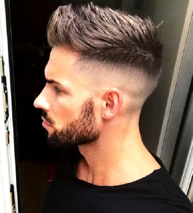 25 Best Mid Fade Haircut-Ideen   Stilvolle mittelgroße Fade-Frisuren von 2020 Mid Skin Fade Faux Hawk