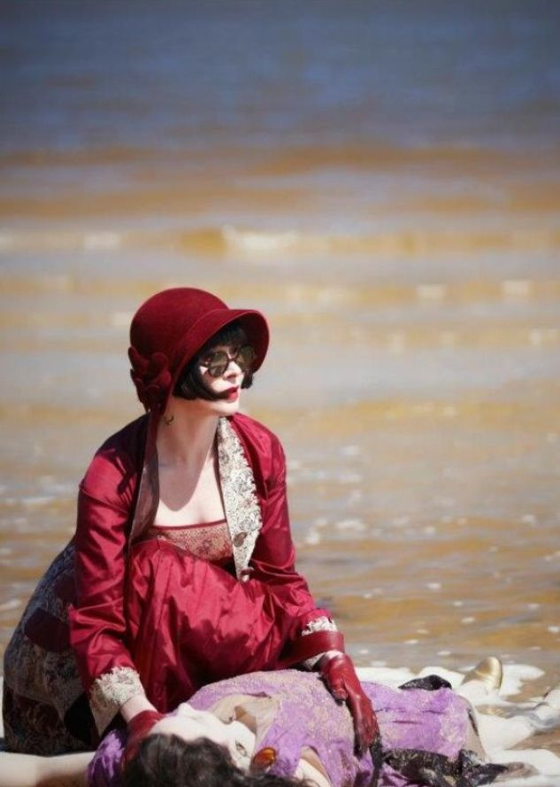 Phryne Fisher {Essie Davis} ~ Miss Fisher's Murder Mysteries