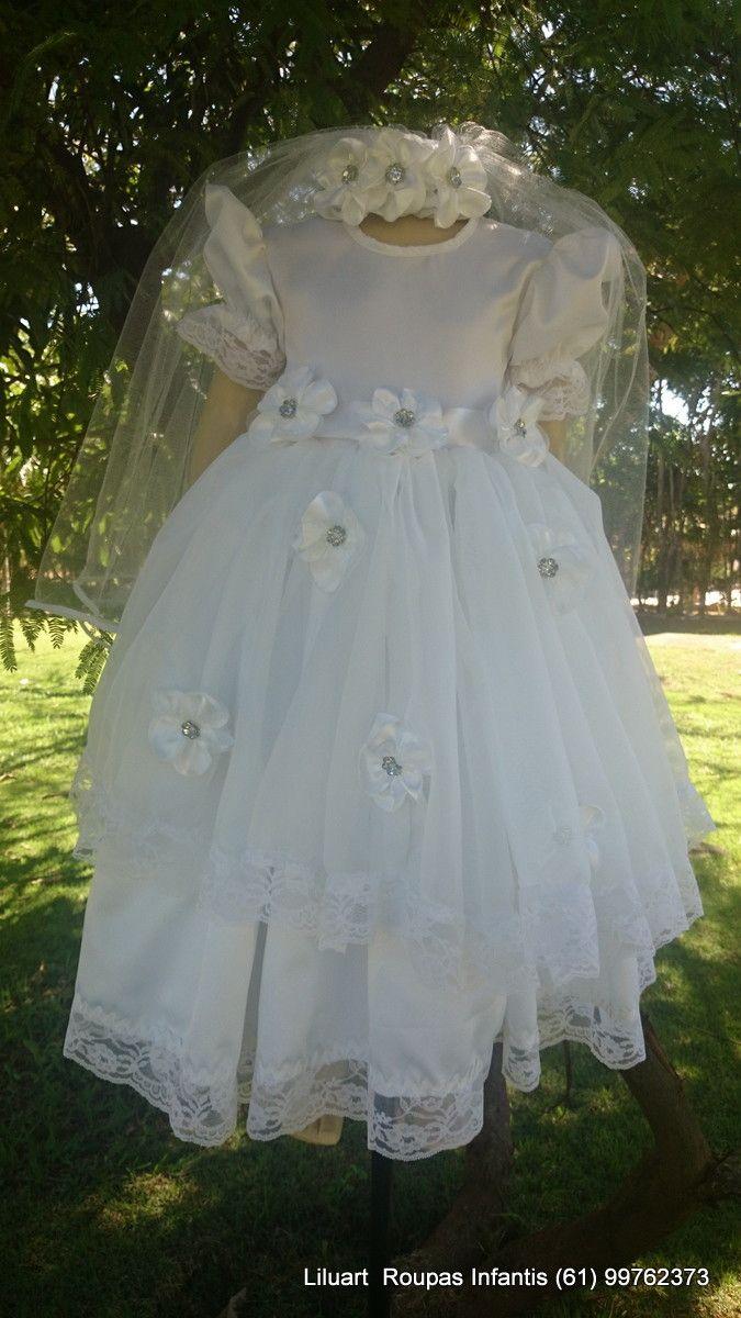 Vestido infantil confeccionado para noivinhas juninas. Vestido confeccionado em cetim, com sobressaia em voal, com renda, com flores aplicadas em cores da preferência da cliente. Saia para crianças com + ou - 5 mts de roda.