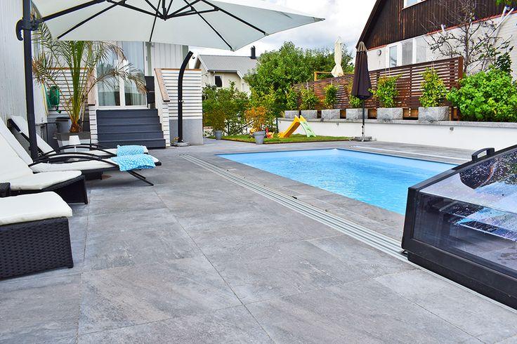EcoStone, vår egna miljömärkta granitkeramik. Behandlad med ett halkskydd och finns med tillhörande poolkantsten #pool #ecostone #stenbolaget