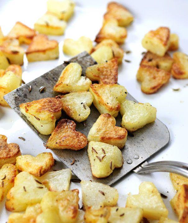 Valentijnsdag: Harten- gebakken aardappeltjes.