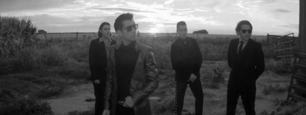 "Nuevo video de Arctic Monkeys: ""One For The Road"" - La Escena"