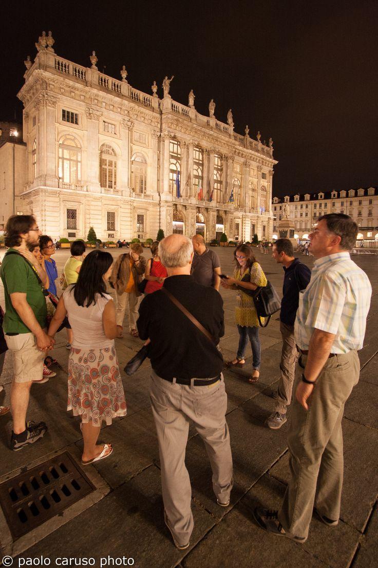 La notte di #Torino in piazza Castello con i #tour #Bogianen #Turin #turism #travel  #weekend #visit #slow #night