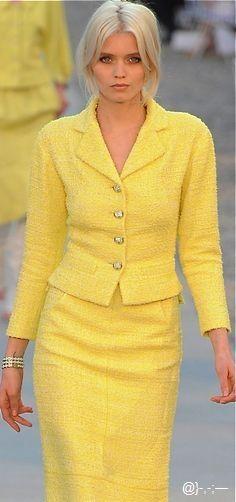 Chanel #jaune ~ Colette Le Mason @}-,-;---