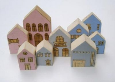 Naturban. Decorated wooden houses for children's room hand painted by Christina Michalopoulou at www.happyrooms.gr