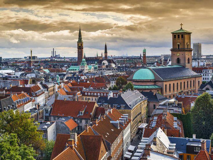 Kopenhagen. •Strøget: de langste winkelstraat van Europa, waar zowel de grote internationale winkelketens te vinden zijn als de kleine boetiekjes. Deze straat is alleen toegankelijk voor voetgangers.