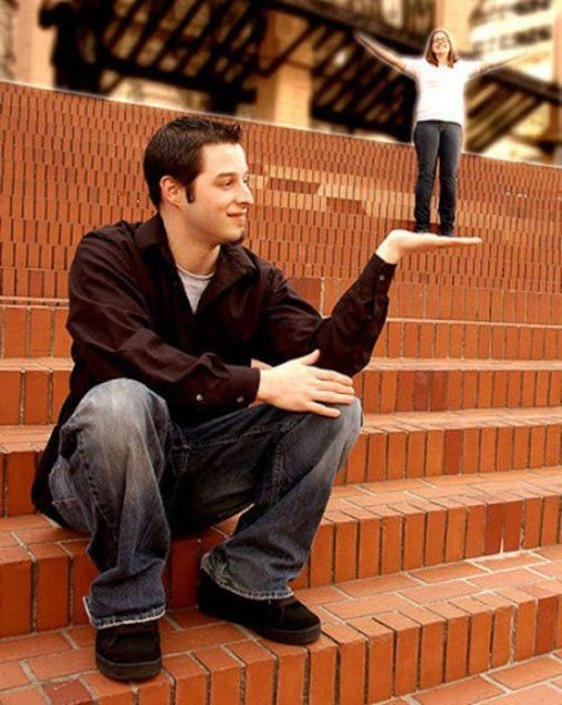 Funny #Fail Engagement Photos Captured At Perfect Time #FunnyFail
