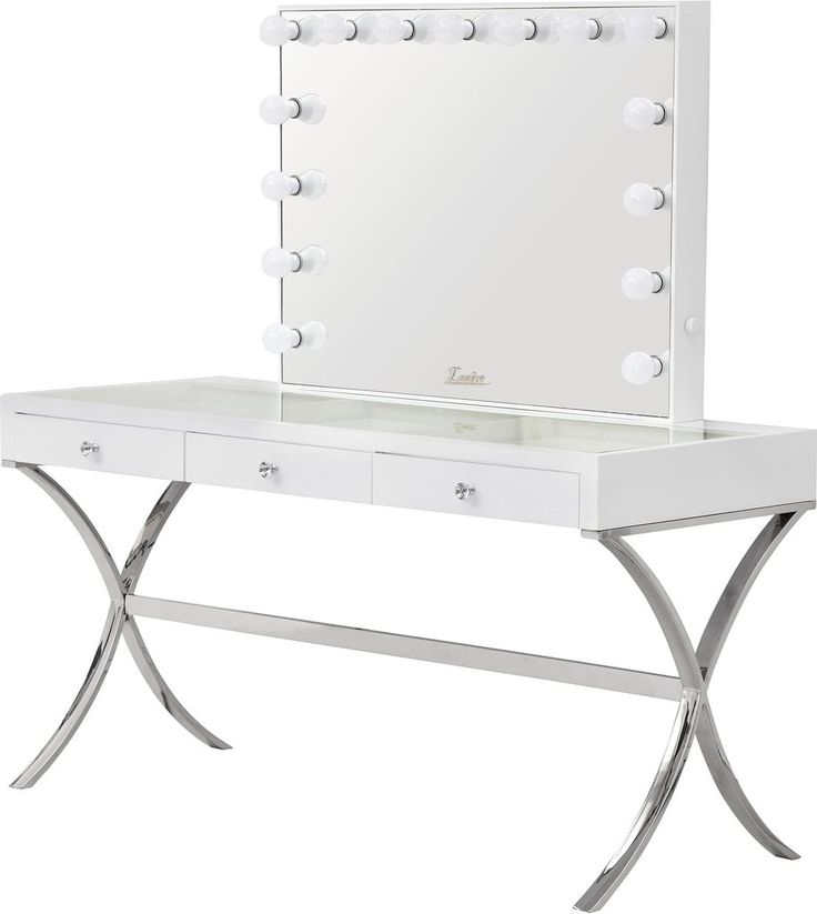 The next best thing to natural day light is the all new Mirrored Finish Glamour Makeup Mirror, the Hollywood inspired mirror includes 15 LED bulbs that will provide true and natural light.