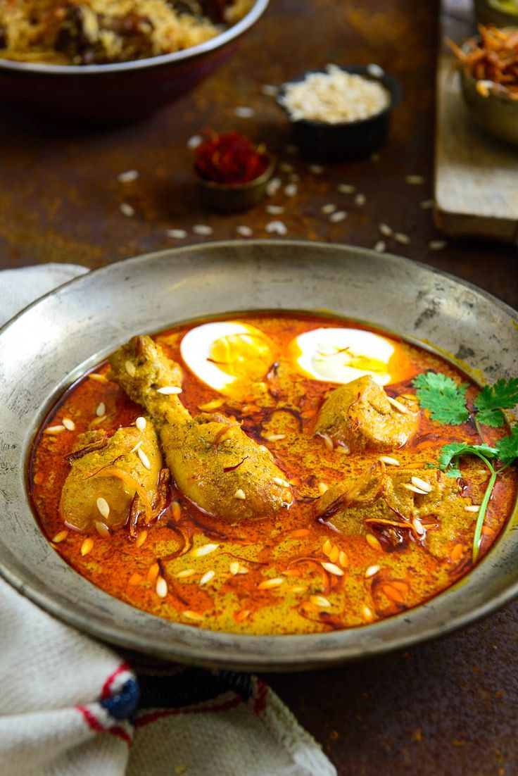 'Murgh-Shahjahani' / Chicken in a Rich Creamy Gravy