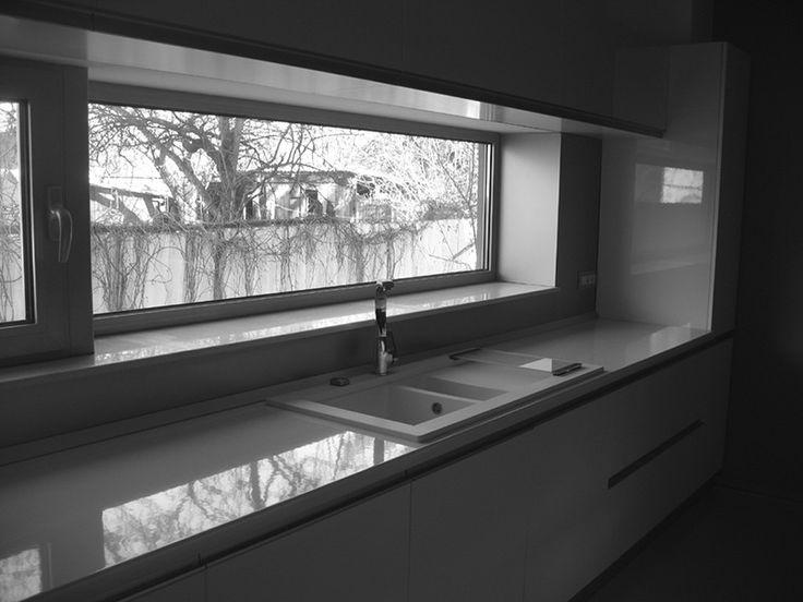 window kitchen sink